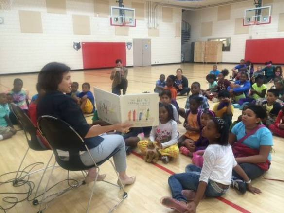 Reading to children at a Minneapolis Public School